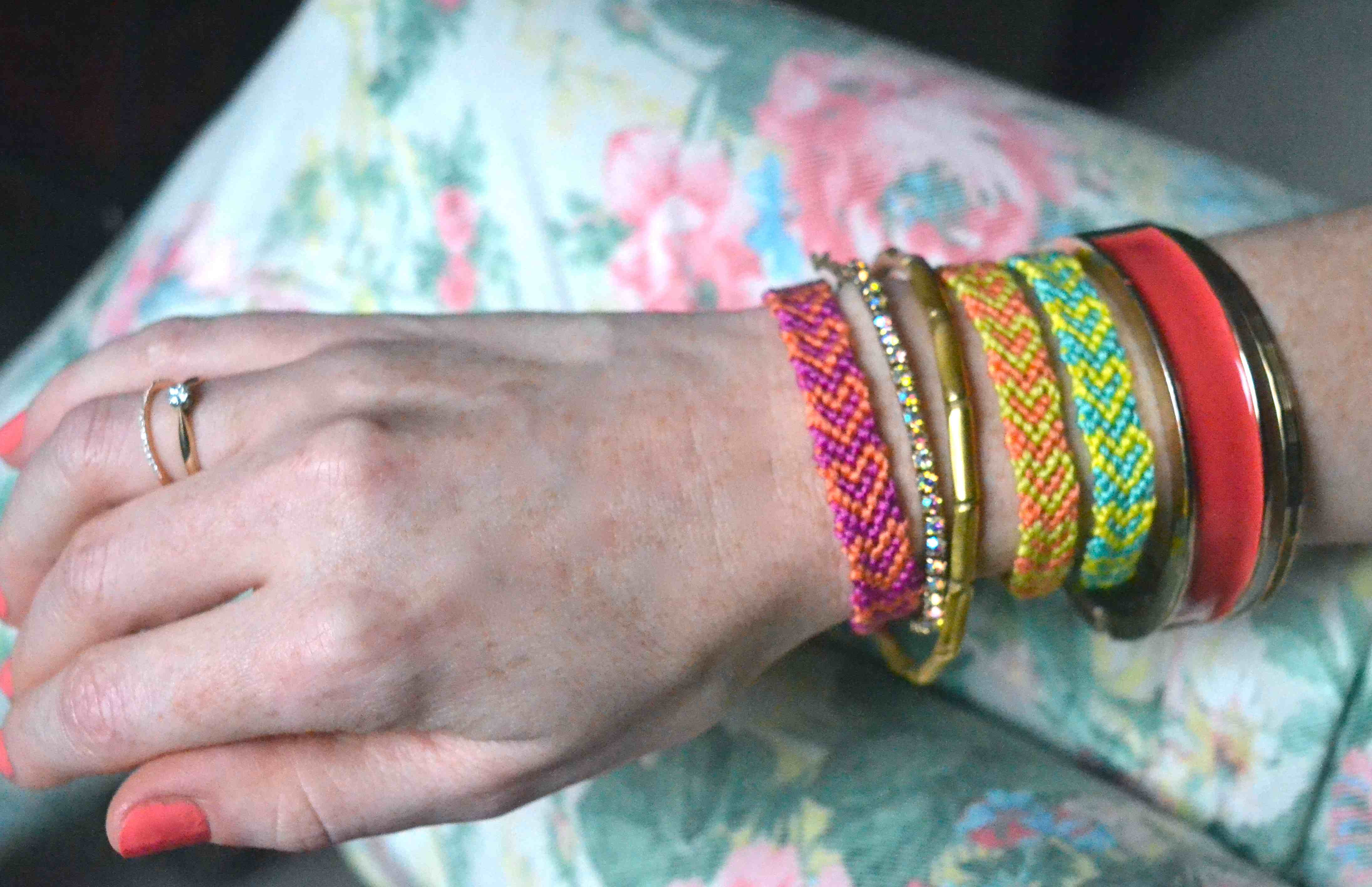 As A Teenager, We Spent Hours Knitting Friendship Bracelets I Am Happy  That They Are Fashionable Again, Even If You Are Around 30, And Lots Of New  Styles