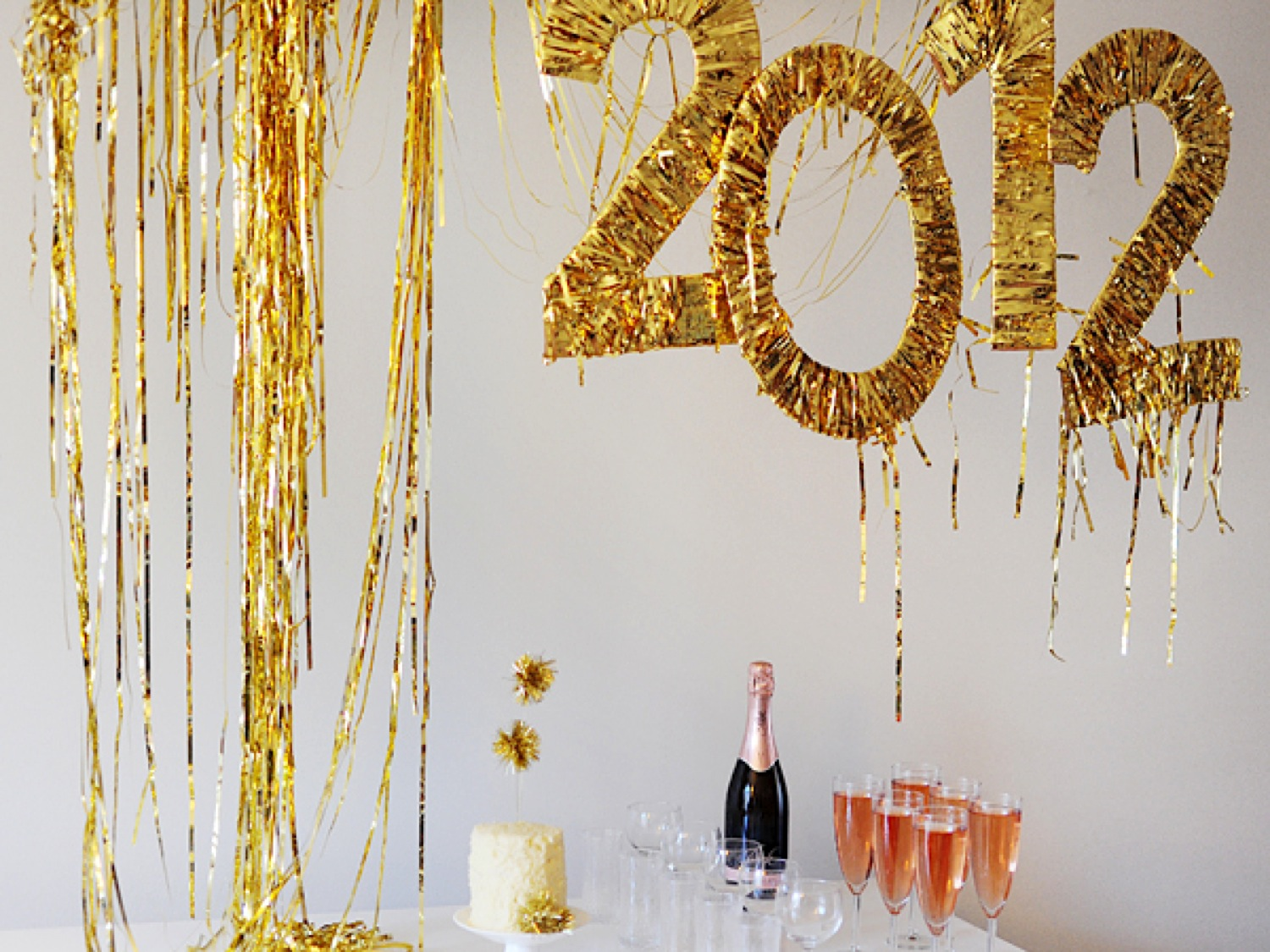 5 Last-Minute New Year\'s Eve Party Ideas | silk & soda